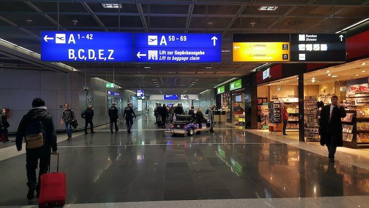 No Aeroporto de Frankfurt © Viaje Comigo