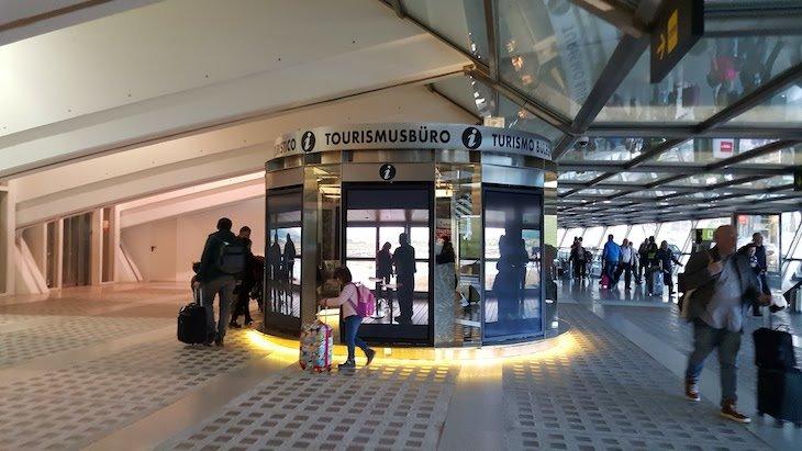 Posto de turismo no Aeroporto de Bilbau © Viaje Comigo