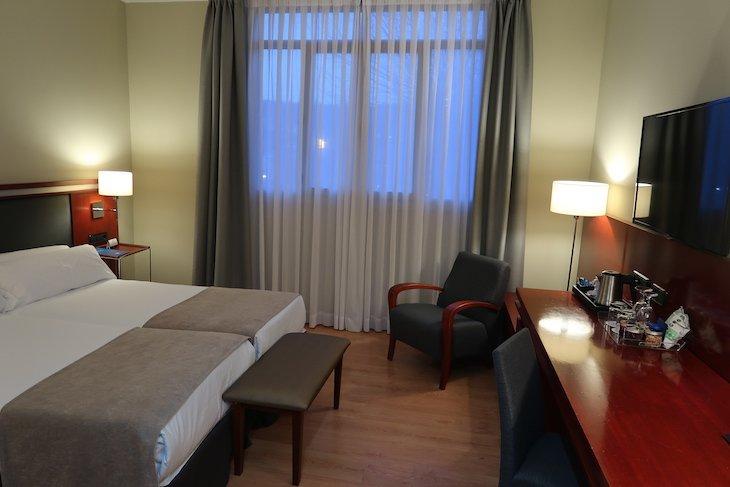 Quarto do Hotel NH Bilbao Zubialde - Bilbau © Viaje Comigo