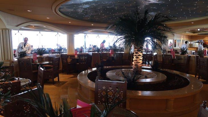 Restaurante Buffet do cruzeiro MSC Magnifica © Viaje Comigo