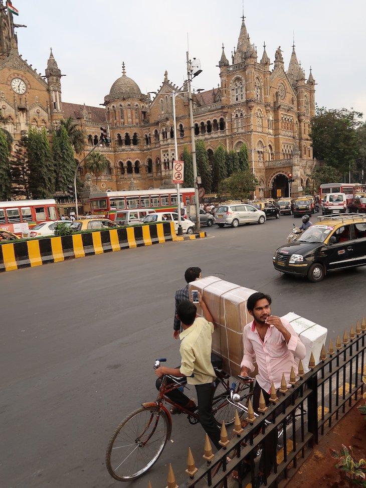 Estação Chhatrapati Shivaj - Victoria Terminus - Bombaim - Índia © Viaje Comigo