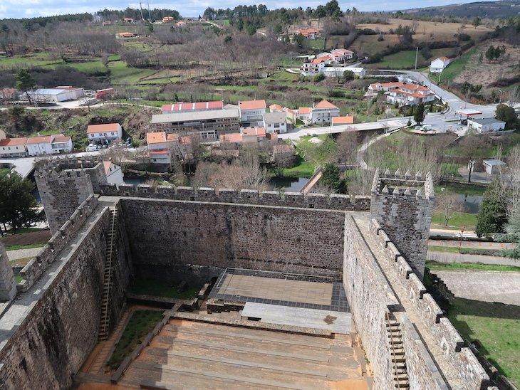 Anfiteatro da Praça de Armas - Castelo de Sabugal - Portugal © Viaje Comigo