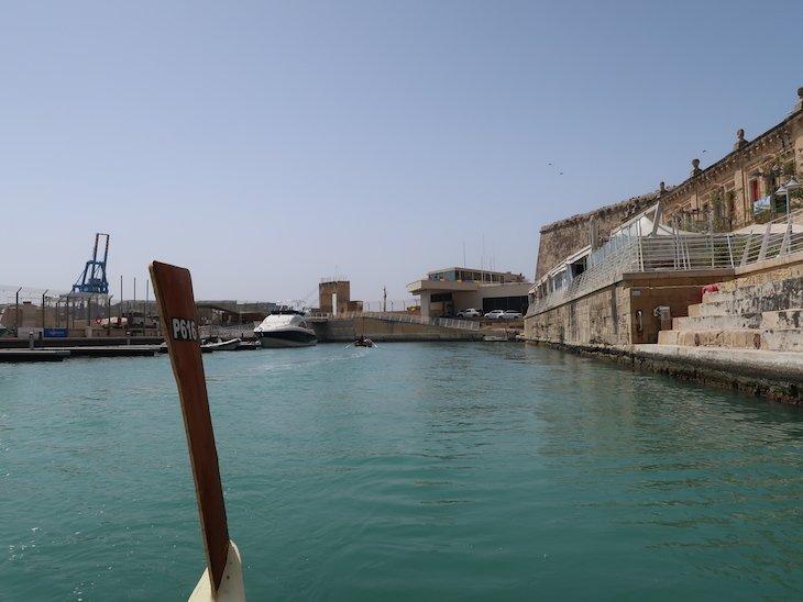 Chegada de barco a Valetta, Malta © Viaje Comigo