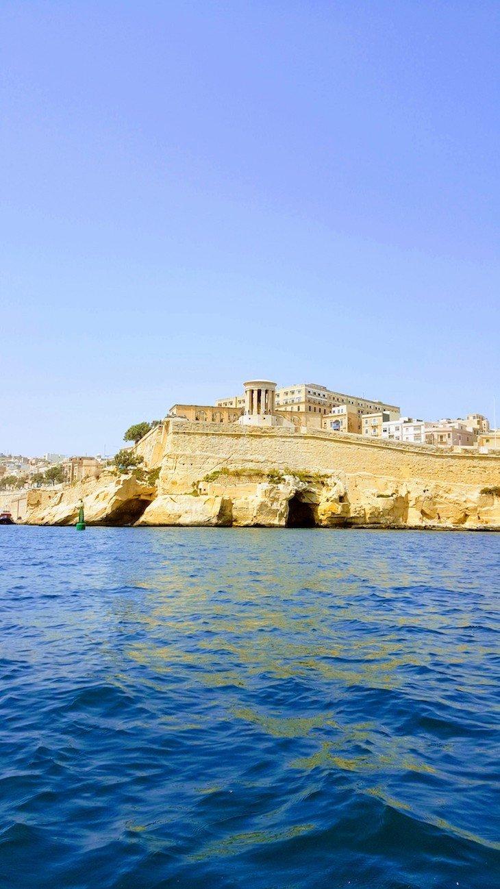 No barco vista para Valetta - saída de Birgu, Città Vittoriosa, Malta © Viaje Comigo