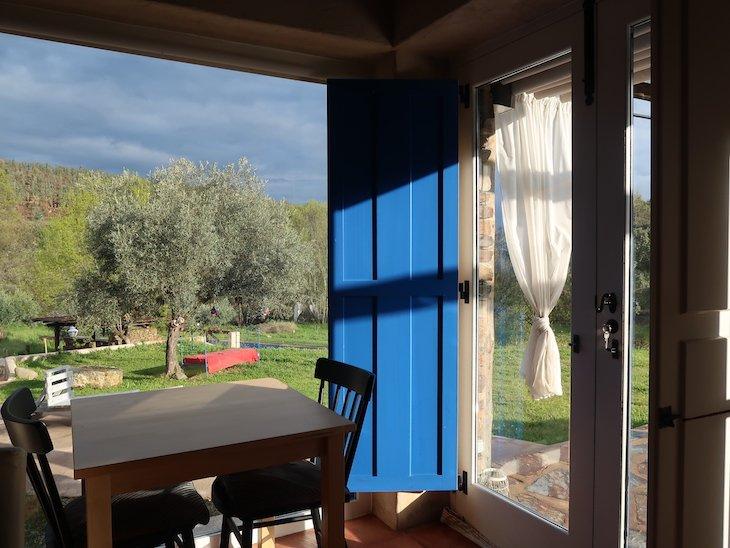 Sala do pequeno-almoço no Moinho do Maneio - Penamacor - Portugal © Viaje Comigo