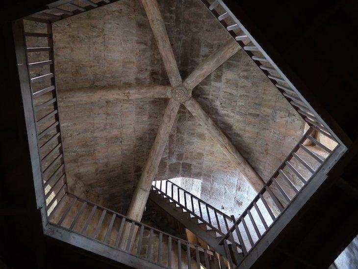Dentro da Torre de Menagem - Castelo de Sabugal - Portugal © Viaje Comigo