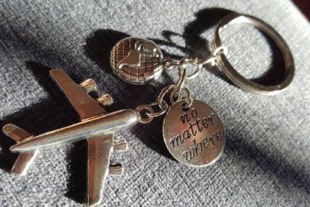 Porta chaves com mapa mundo © Viaje Comigo