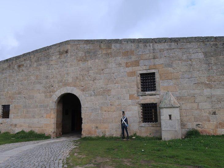 Ports duplas de Santo António - CEAMA - Centro de Estudos de Arquitectura Militar de Almeida © Viaje Comigo