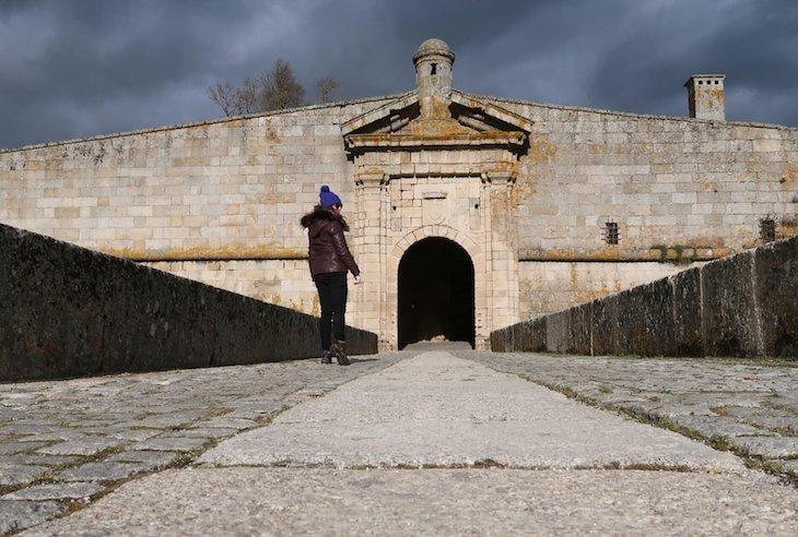 Susana em Almeida - Aldeias Históricas de Portugal © Viaje Comigo