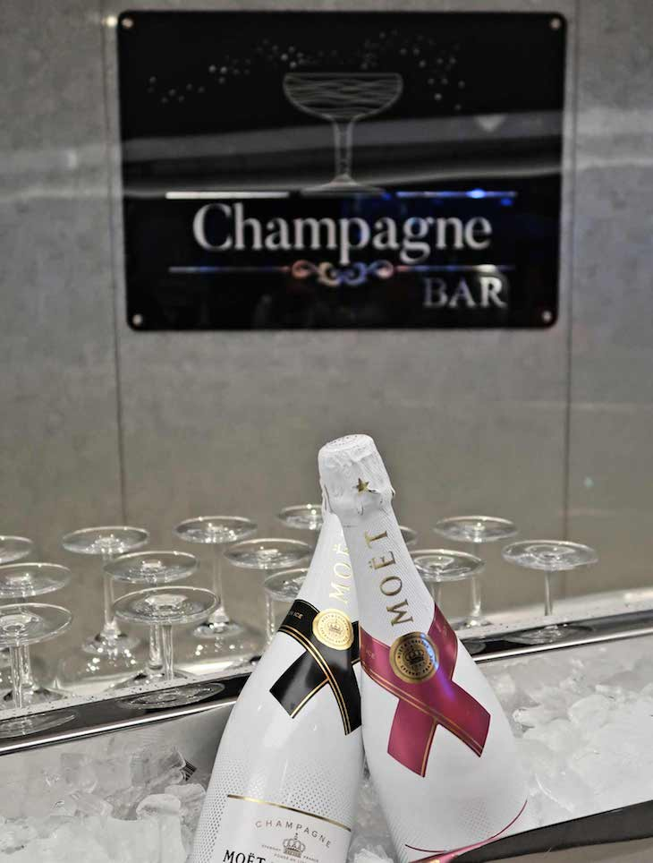 Champagne bar do MSC Seaview © Viaje Comigo