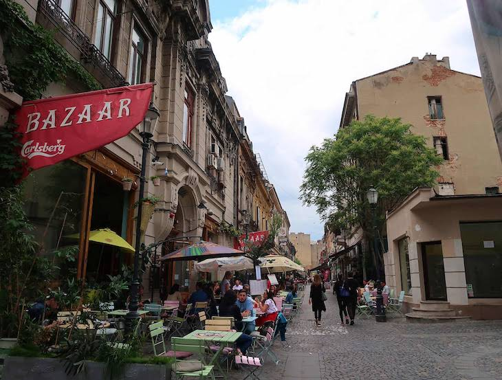 Restaurante no centro histórico de Bucareste - Roménia © Viaje Comigo