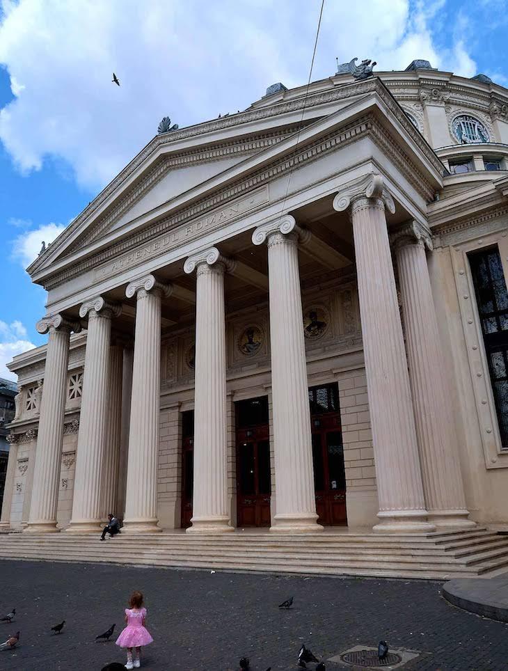 Fachada do Ateneu - Bucareste - Roménia © Viaje Comigo