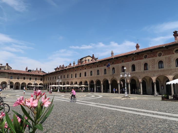 Piazza Ducale, Vigevano - Itália © Viaje Comigo
