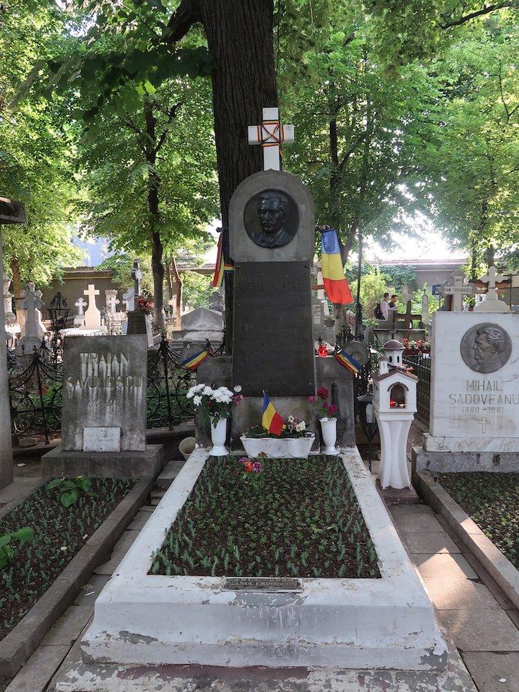 Cemitério Bellu - Bucareste - Romenia © Viaje Comigo
