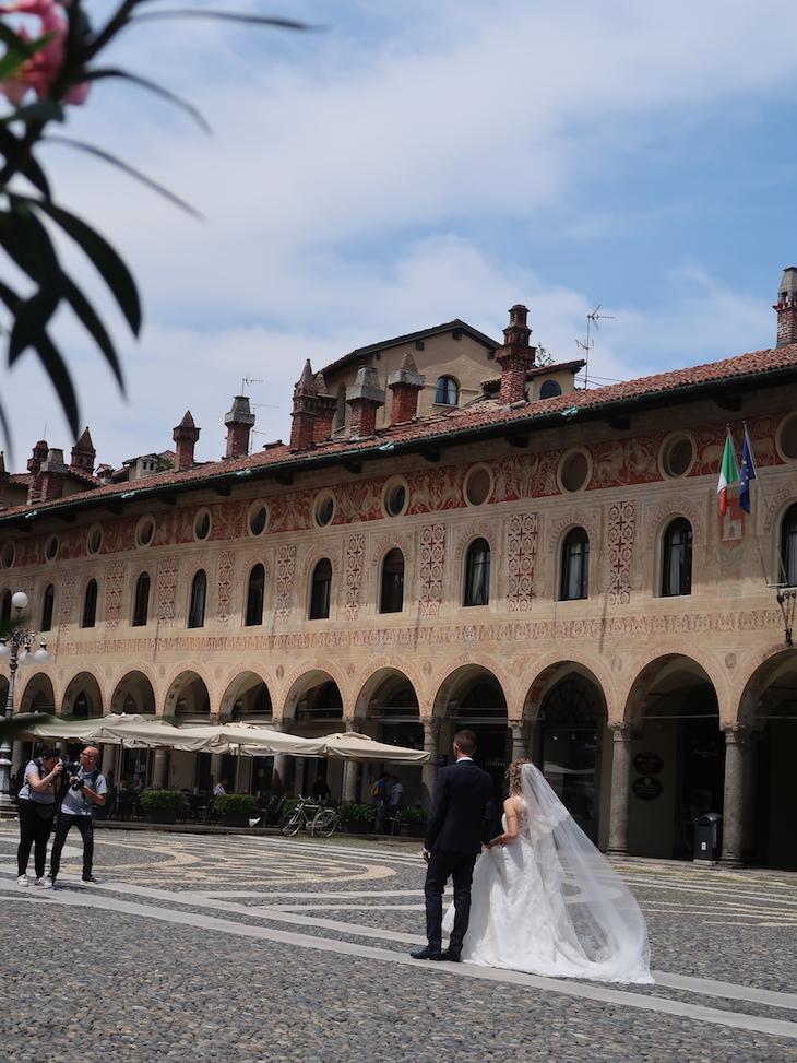 Noivos em Vigevano - Itália © Viaje Comigo