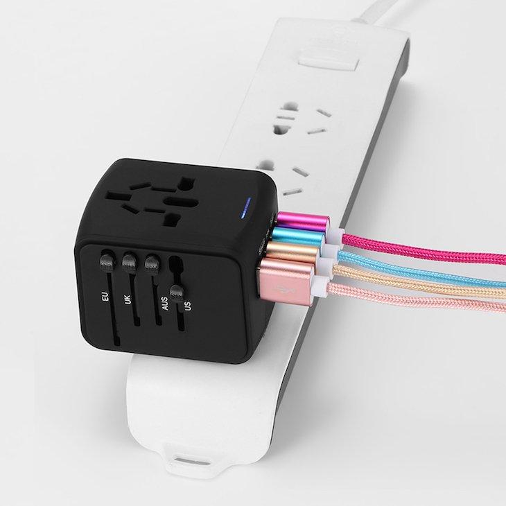 Adaptador de tomadas com USB © Aliexpress