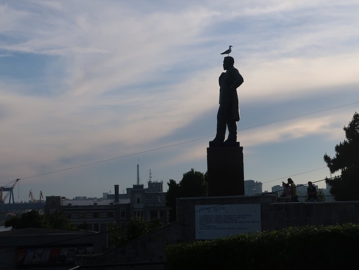 Estátua de Anghel Saligny - Constança - Roménia © Viaje Comigo