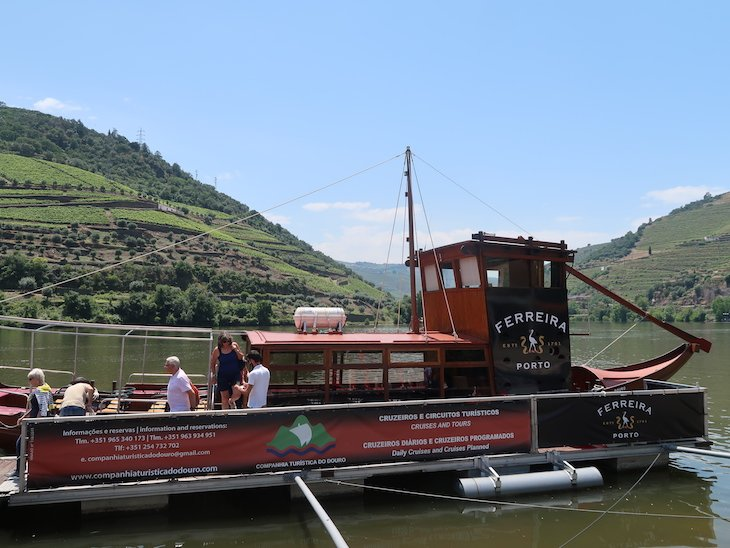 Passeio de barco Rabelo no rio Douro © Viaje Comigo