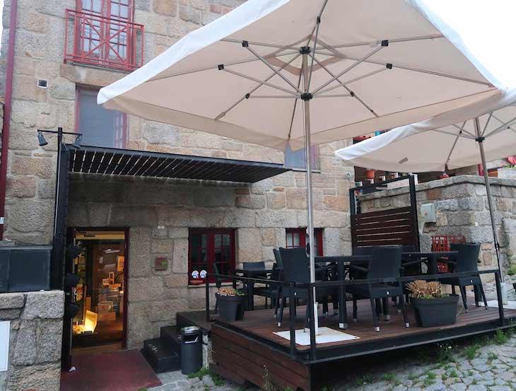 Restaurante Cova da Loba - Linhares da Beira, Portugal © Viaje Comigo