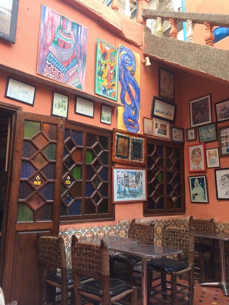 Dentro da pastelaria Driss em Essaouira - Marrocos © Viaje Comigo