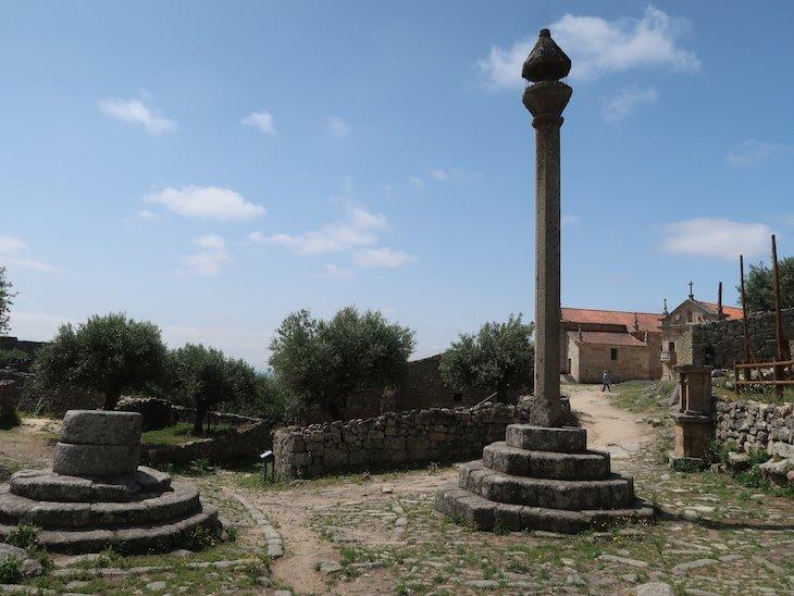 Cisterna e Pelourinho do Castelo de Marialva - Portugal © Viaje Comigo