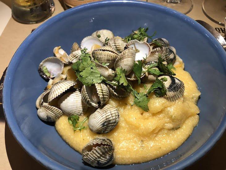 Xerém com berbigão - Restaurante Coma, no Porto, acolheu as Mesas Bohemia © Viaje Comigo