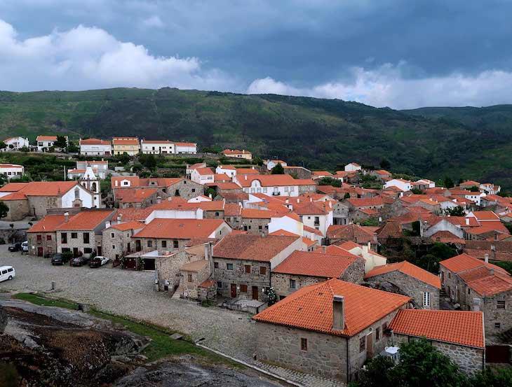 Casas de Linhares da Beira - Aldeias Historicas de Portugal @ Viaje Comigo