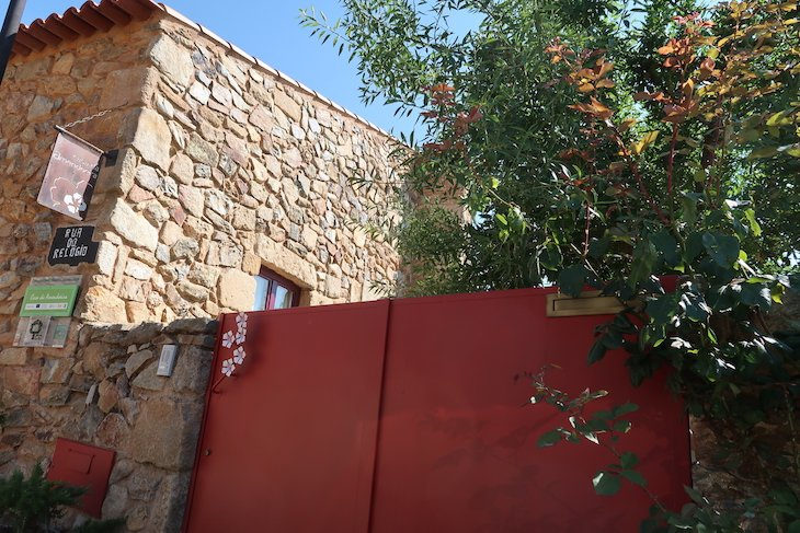 Casa da Amendoeira - Castelo Rodrigo - Portugal © Viaje Comigo