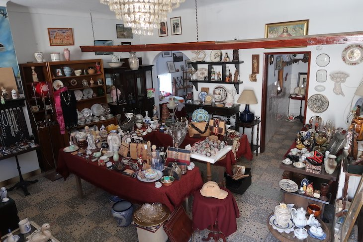 Loja de antiguidades - Castelo Rodrigo - Portugal © Viaje Comigo