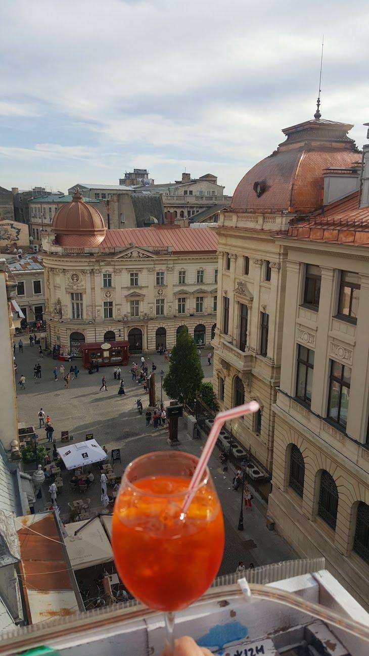 Pura Vida Sky Bar & Hostel - Bucareste - Roménia © Viaje Comigo