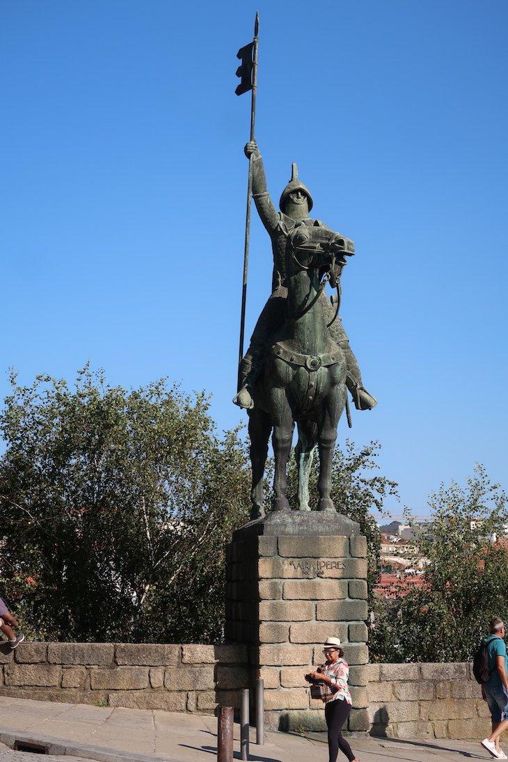 Estátua de Vimara Peres - Portugal © Viaje Comigo