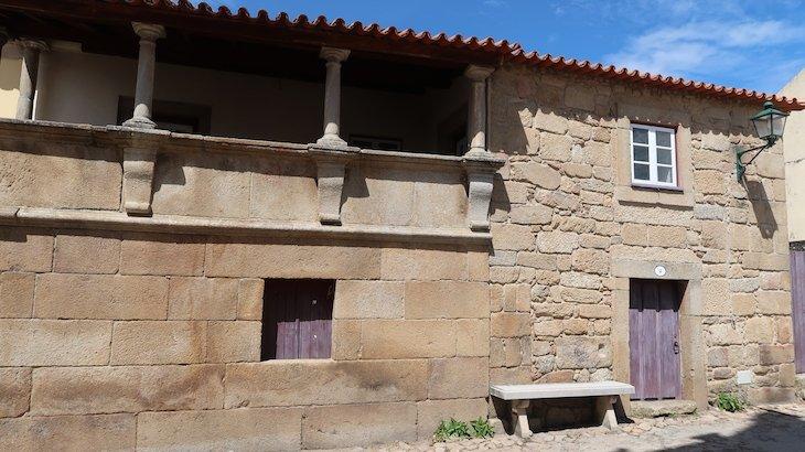 Casa do século XVII - Castelo Mendo - Portugal © Viaje Comigo