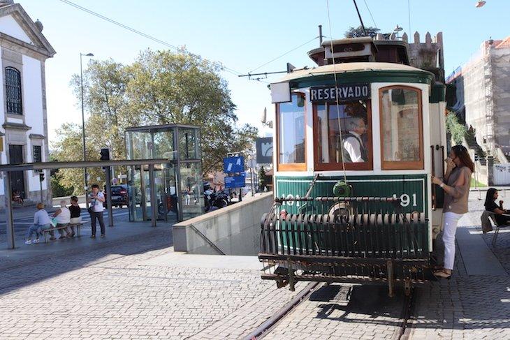 Carro Elétrico no Porto © Viaje Comigo