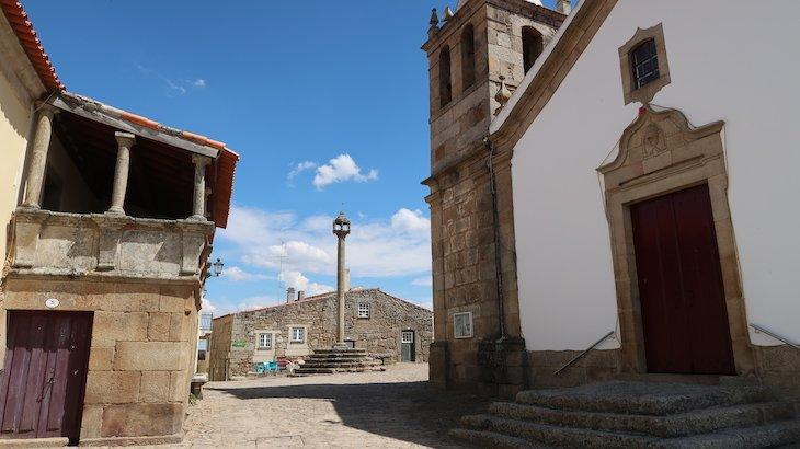 Igreja Matriz ou de S. Pedro - Castelo Mendo - Portugal © Viaje Comigo