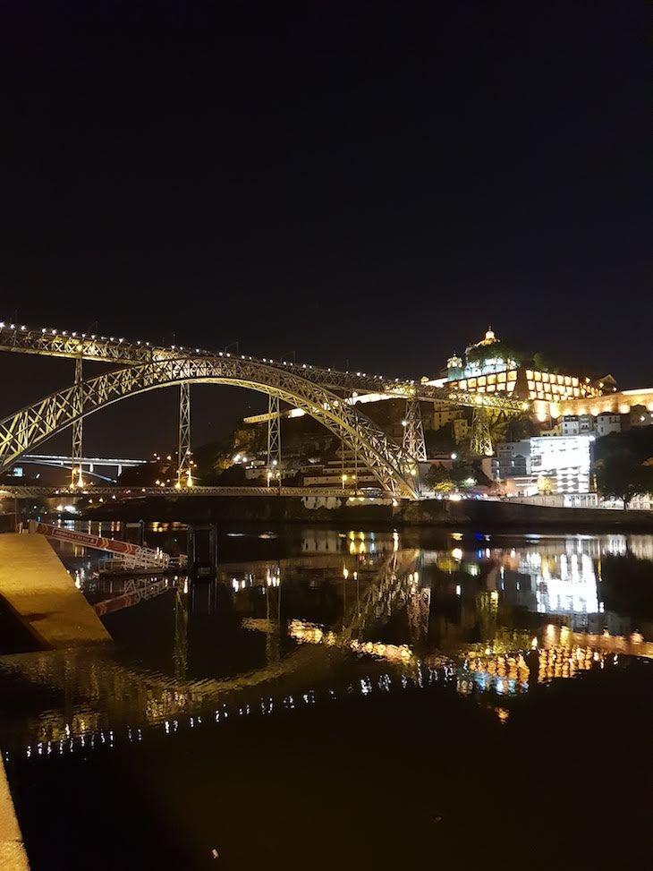 Ponte Luís I, reflexo no rio Douro, Porto © Viaje Comigo
