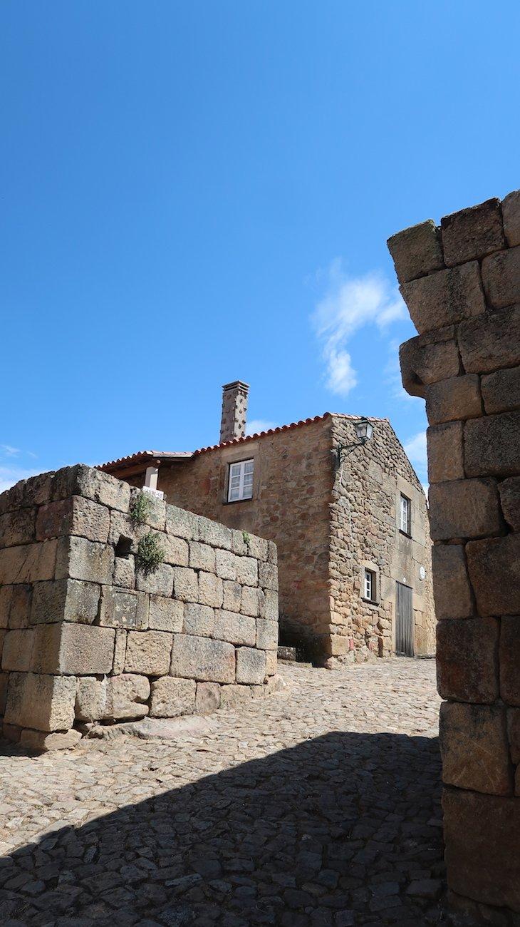Porta D. Sancho - Castelo Mendo - Portugal © Viaje Comigo