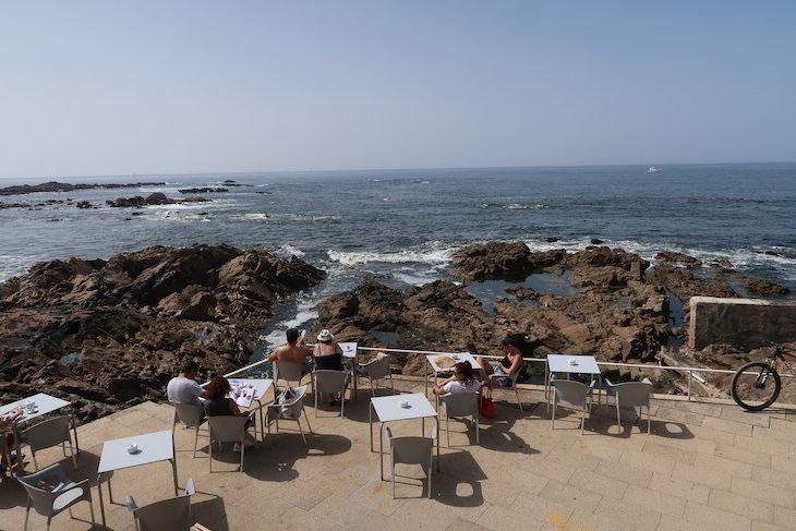 Praia do Aquário, Porto - Portugal © Viaje Comigo