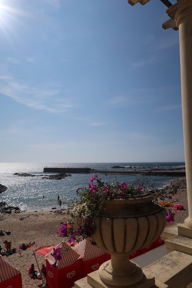 Vista da Pérgola da Foz para a Praia do Molhe, Porto - Portugal © Viaje Comigo
