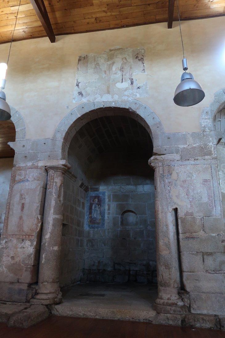 Interior da Sé/Catedral da Aldeia Histórica de Idanha-a-Velha. Portugal © Viaje Comigo