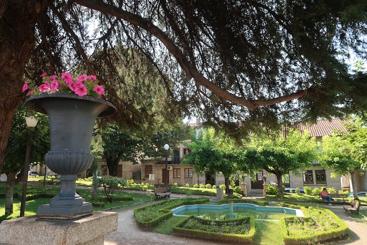Jardim em Belmonte - Portugal © Viaje Comigo