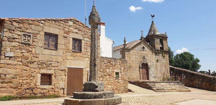 Pelourinho da Aldeia Histórica de Idanha-a-Velha - Portugal © Viaje Comigo