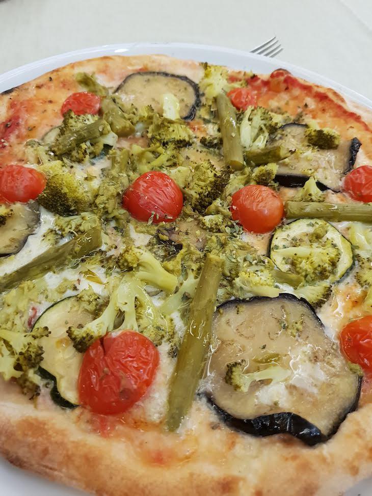 Pizza Vegetariana - Pizzaria Il Piccolo, Pontevedra, Galiza, Espanha © Viaje Comigo