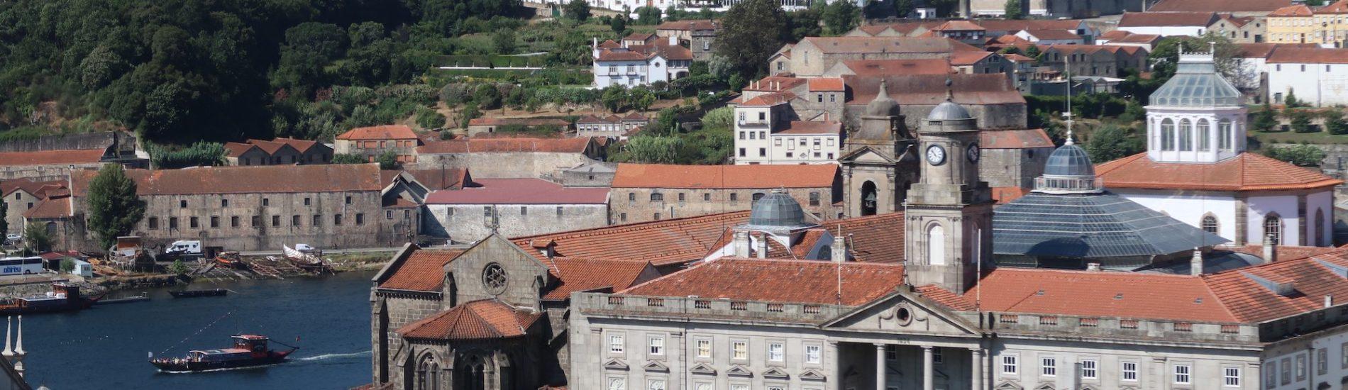 Vista da cidade do Porto e rio Douro - Portugal © Viaje Comigo