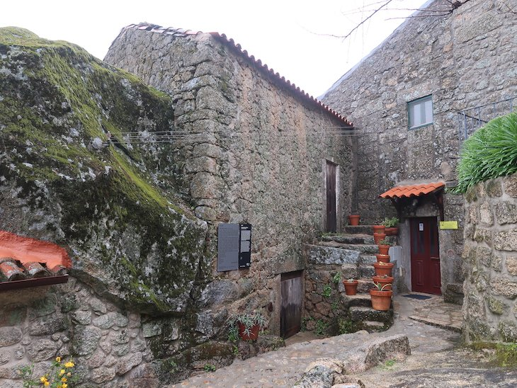 Casa de Zeca Afonso - Monsanto - Aldeia Histórica - Portugal © Viaje Comigo