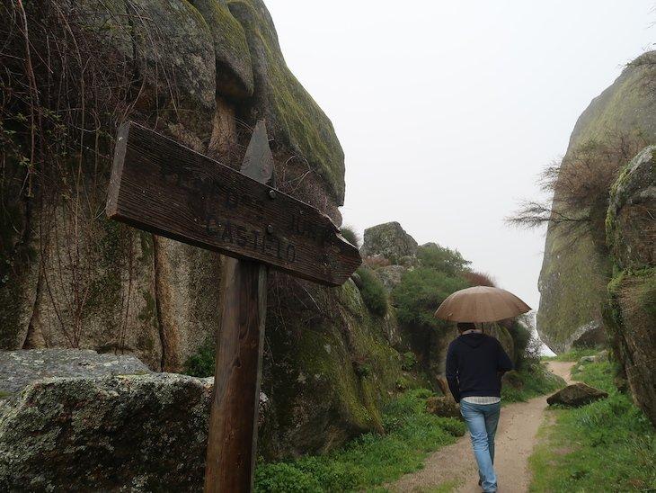 Penedos do Castelo - Monsanto - Aldeia Histórica - Portugal © Viaje Comigo
