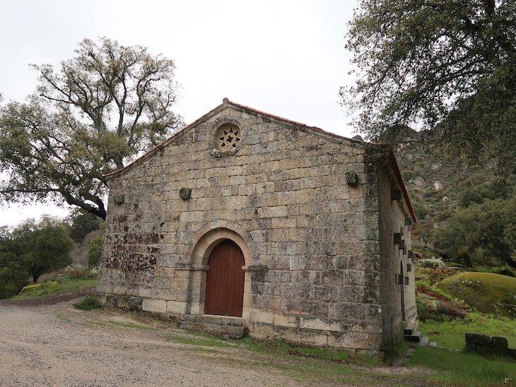 Capela de S. Pedro de Vira-Corça - Monsanto - Aldeia Histórica - Portugal © Viaje Comigo