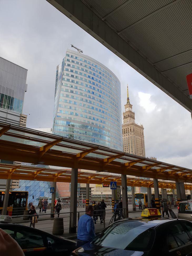 Na Estação Ferroviária de Varsóvia - Polónia © Viaje Comigo