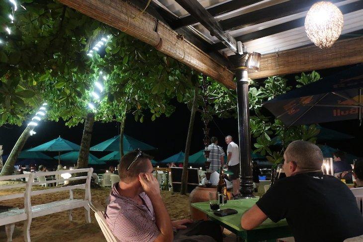 Restaurante em Mirissa - Sri Lanka © Viaje Comigo