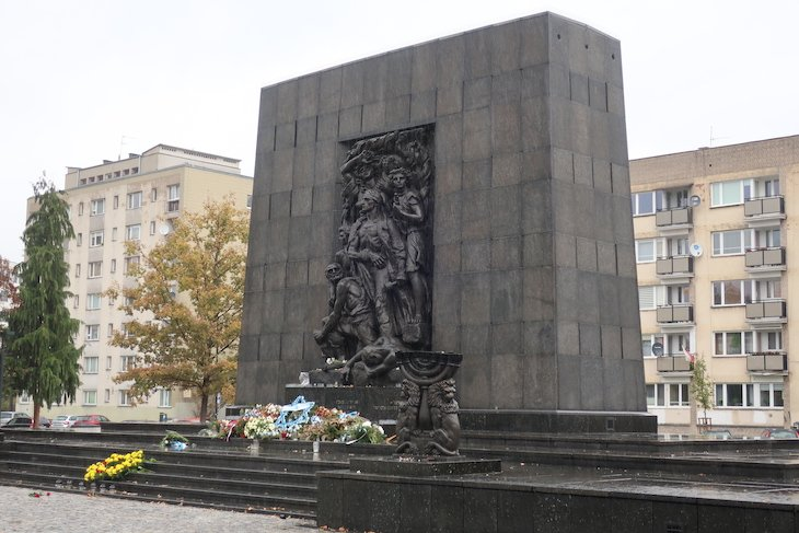 Memorial da Revolta - Museu POLIN - Varsóvia - Polónia © Viaje Comigo