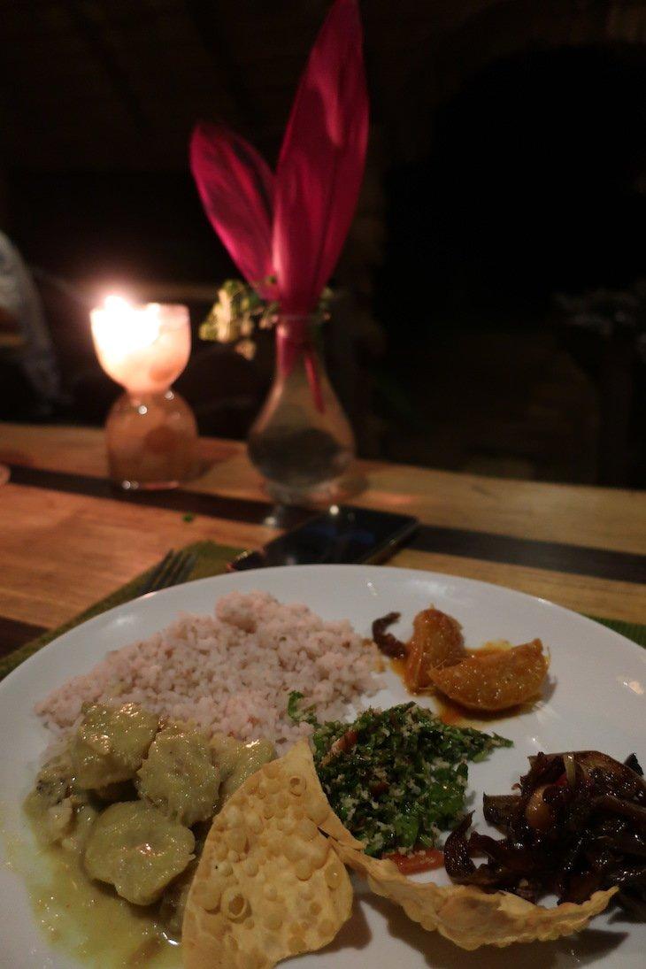 Jantar no Gem River Edge - Eco Home and Safari, Kataragama, Sri Lanka © Viaje Comigo